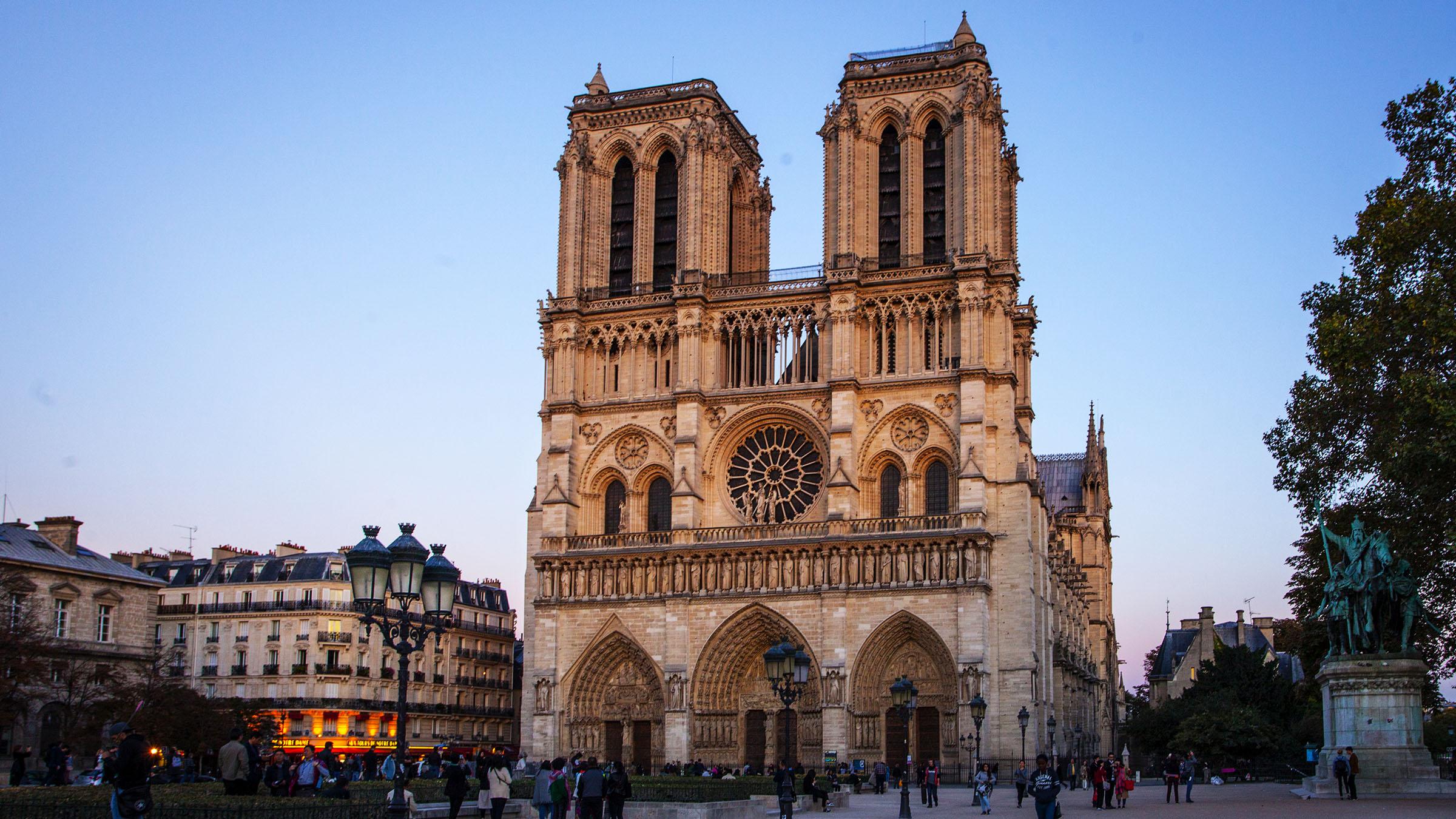 Fachada-Catedral-Notre-Dame