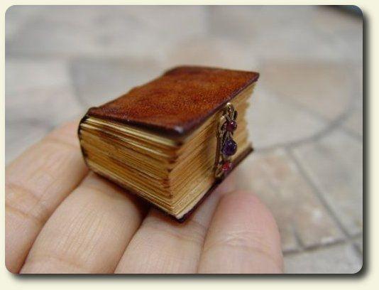 Miniature-Books