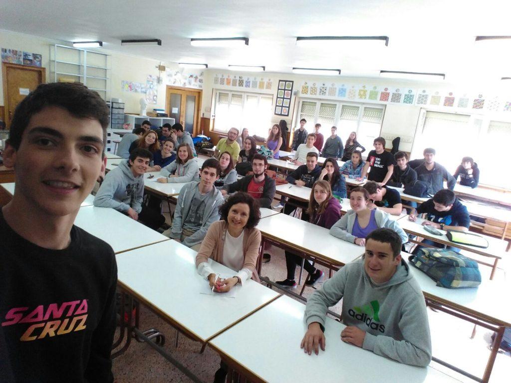 Los alumnos evaluando su estancia en el Instituto. Mayo 2016